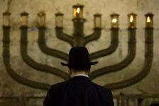 Vì sao người Do Thái dù phiêu bạt khắp nơi nhưng không có một người ăn mày?
