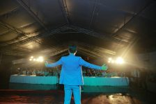 """Dance like a Champion – buổi huấn luyện """"Chuyển hoá cảm xúc"""" cho 1.000+ người tại Đại hội"""