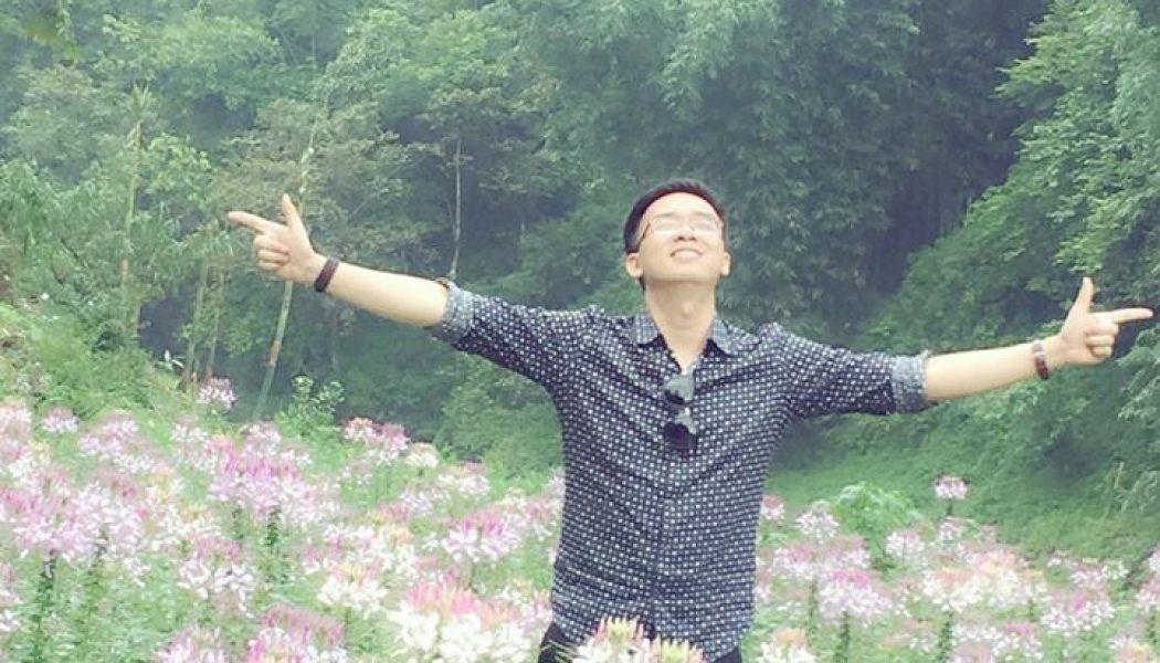 Gươm giữa rừng hoa